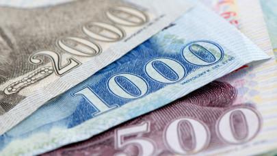 Emelték a jegybanki alapkamatot, retteghetnek az adósok: mi lesz a hitelekkel, befektetésekkel?