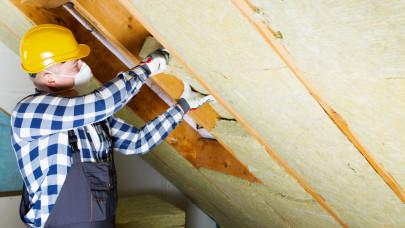 Drágulás és többhetes várólisták: nincs egyszerű dolga, aki élne a felújítási támogatással