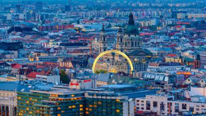 Nagyon pörög a magyar ingatlanpiac: a legtöbben 20 évre adósodnak el