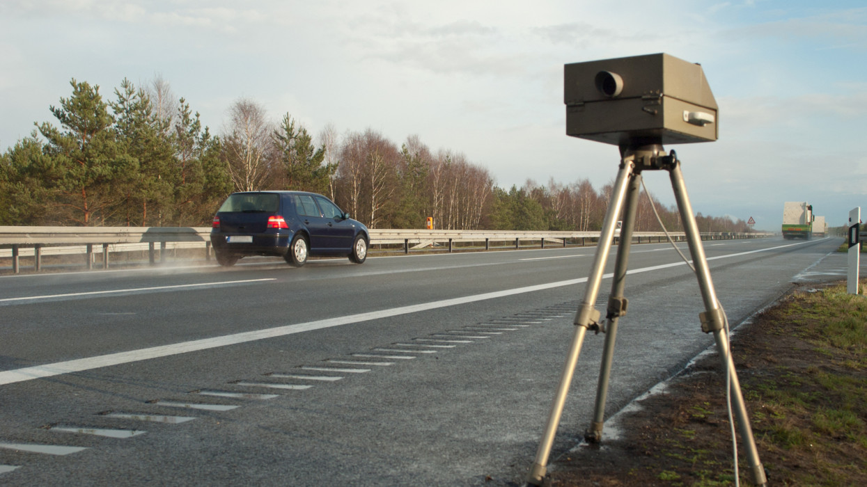 Rengeteg autóst érint majd: szupertraffipaxok lepik el a magyar utakat