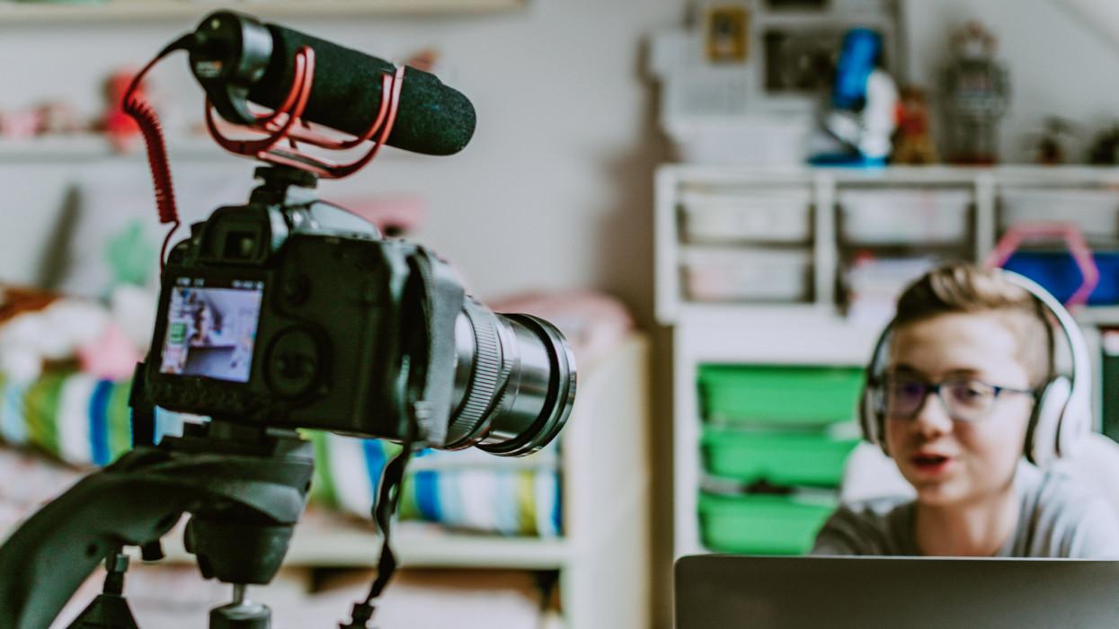 Hatalmas újítás élesedett a Youtube-on: ekkortól a magyarok is élvezhetik