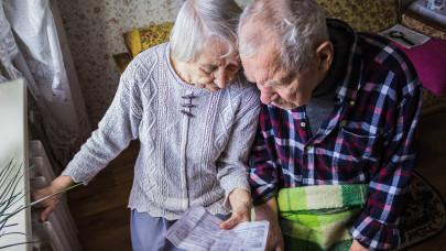 Küszöbön az összeomlás: nincs, aki gondoskodjon több százezer idős magyarról