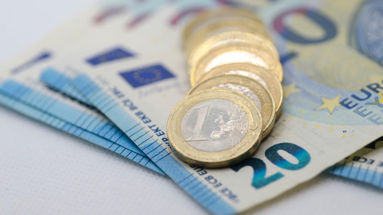 Döntöttek a magyarok az euróról: minél előbb be kell vezetni