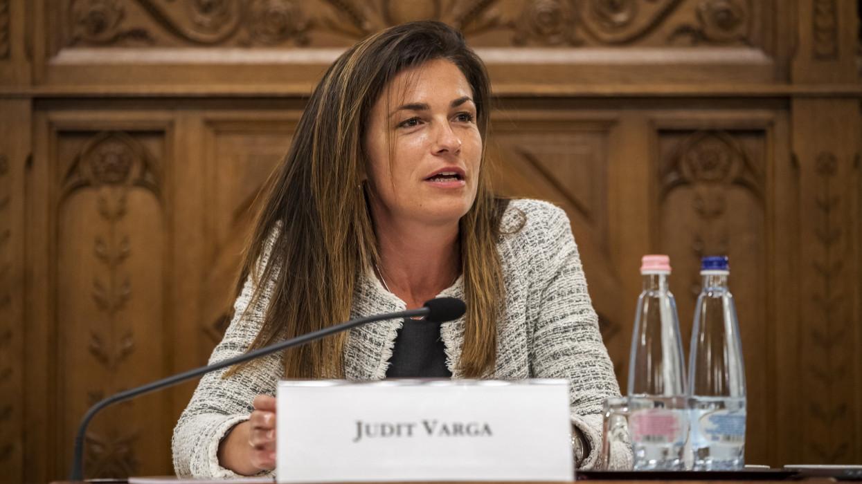 Budapest, 2021. június 21.Varga Judit igazságügyi miniszter a Párbeszéd Európa jövõjérõl: egy digitális Európai Unió építése címmel megrendezett nemzetközi konferencián az Országházban 2021. június 21-én.MTI/Mónus Márton
