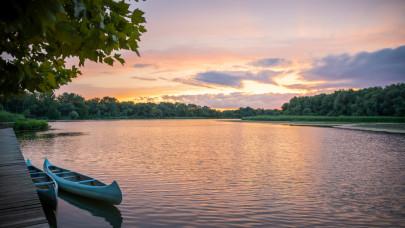 Felejtsd el a balatoni tömeget: 10 gyönyörű tó, amit csak kevesen ismernek