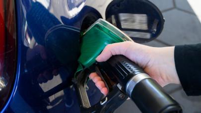 Jönnek a húsbavágó benzinárak: még ma tankolj, ha jót akarsz