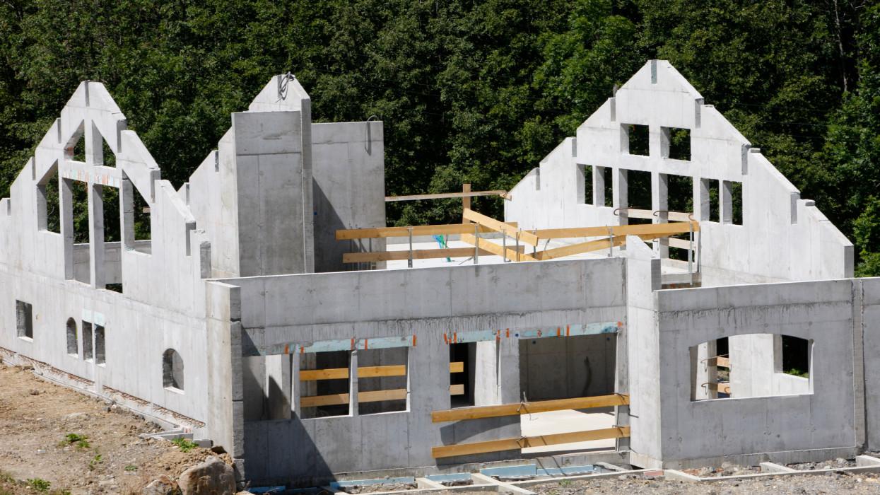 Durván kilőttek a lakásépítések: kettészakadt az ország, belehúztak a vállalkozók