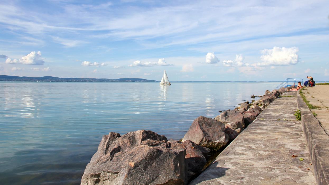 Ehhez kétség sem fér: ezek a Balaton, Horvátország legnyugisabb és legfelkapottabb nyaralóhelyei