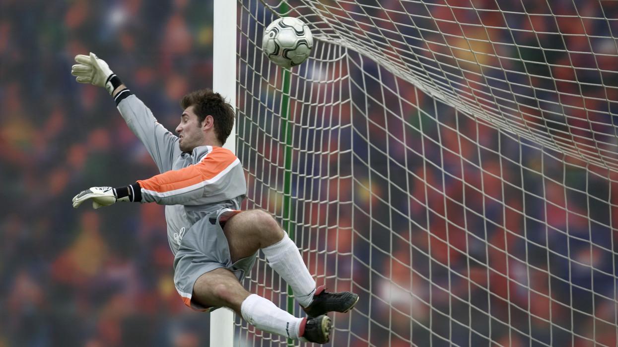 Óriási razzia kerekedett: rengeteg hamis focirelikviát árultak az EB alatt Magyarországon