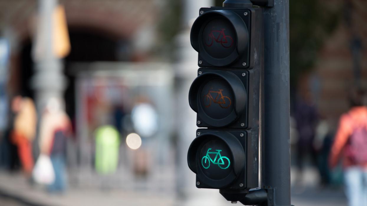Grandiózus kerékpárút épül Magyarországon: ekkortól lehet majd használni