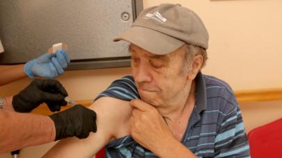 Elindult a vakcinalottó a szomszédban: 36,5 millió forint a főnyeremény
