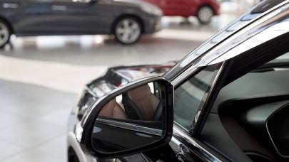 Ezek a magyarok kedvenc autói 2021-ben: trónon a Suzuki, jól fogynak a hétülésesek