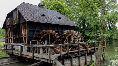 Így készült régen az új kenyér: ebben a muzeális malomban még ma is őrölnek