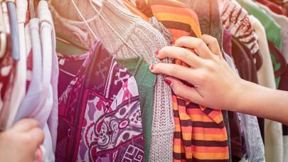 Utolsó tartalékait éli fel Molnár Anikó: már a ruháit, táskáit árulja a neten
