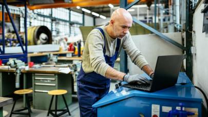 Durván feszített a magyar munkaerőpiac: honnan szerzünk még 600 ezer dolgos kezet?