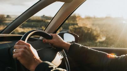 Erre figyelj, ha céges autóval utazol: könnyen rámehet a pénz és a nyaralás is
