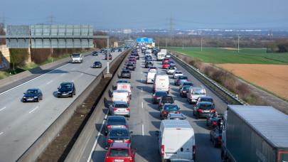 Fontos változás élesedik a magyar autópályákon: erről minden autósnak tudnia kell