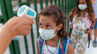 Egyre nőnek az iskolák költségei: nehéz kigazdálkodni a tisztítószerek, kézfertőtlenítők árát
