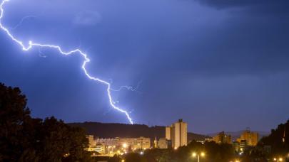 Brutálisan megtépázták az országot a viharok: több százmilliós a kár a magyar otthonokban