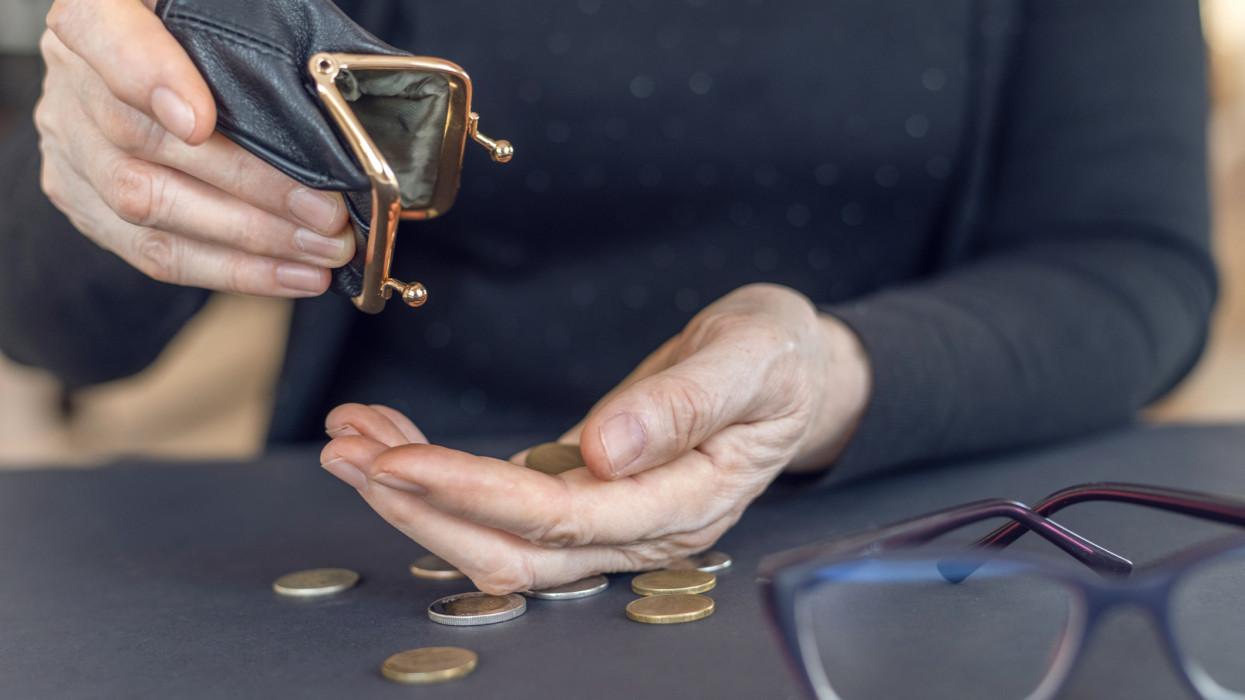 Rengeteg pénz ütheti a nyugdíjasok markát: ennyi lehet a nyugdíjprémium 2021-ben
