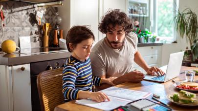 A rossz példa szokássá alakul: könnyen hanyaggá válhat a gyereked, ha ezekre nem figyelsz