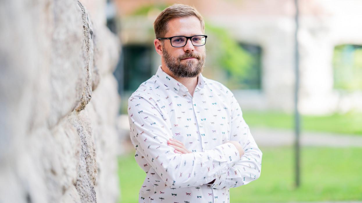 1 milliós tandíjjal ad angol diplomát a magyar egyetem: ezt tanítják a hallgatóknak