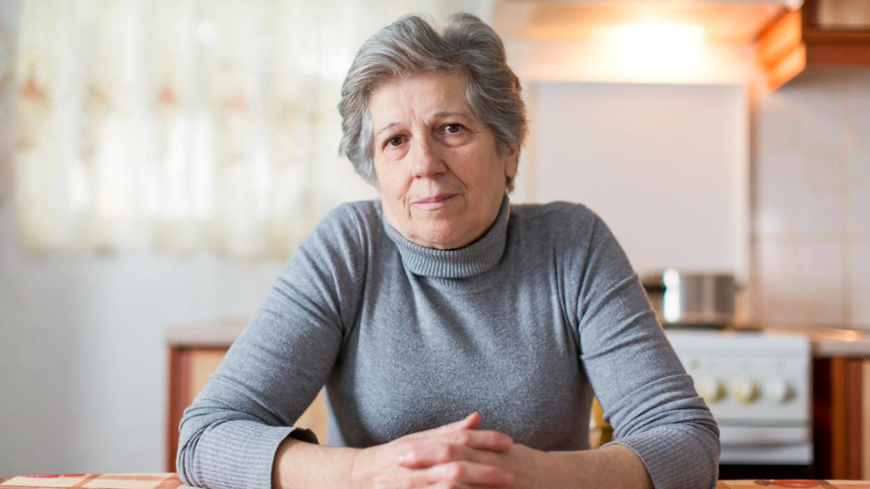Eljött az idős magyarok ideje: kapkodnak utánuk a cégek, simán duplázhatják a nyugdíjukat