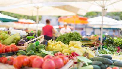 Ezekben a boltokban keresik a magyarok a slágerzöldséget: a piacokon már alig lézengenek