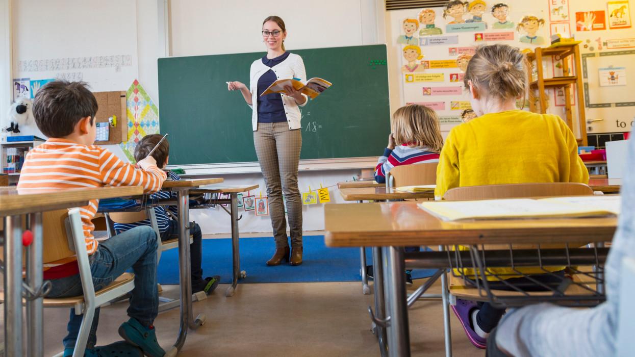 Nesze neked tanárhiány: őrülten kevés gyerek jut egyetlen pedagógusra a magyar iskolákban