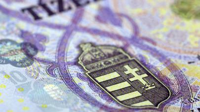 Több tízezer magyar többé nem fizet már szja-t: teljesen legális, ők igényelhetik