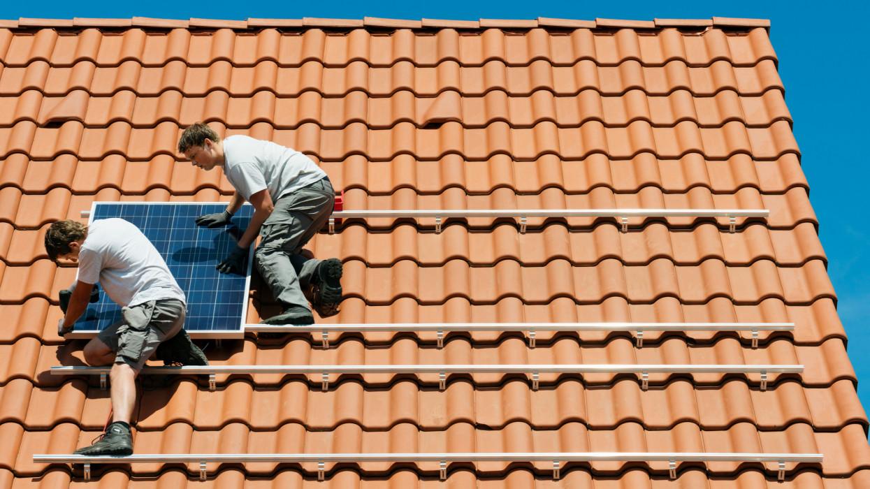 Három szervezetnek is baja van az új napelem támogatásokkal: ezt kifogásolják leginkább