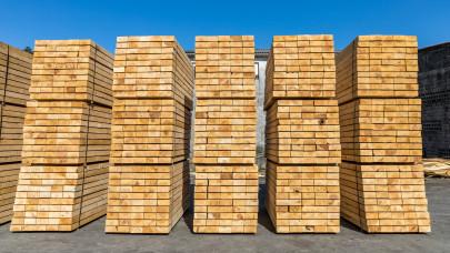 Építőipari áremelkedés: így alakulhat a fa, a hőszigetelő anyagok ára a következő hónapokban
