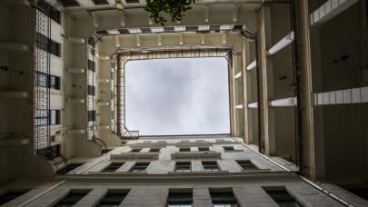 Egy csapásra eltűntek a külföldi befektetők a magyar ingatlanpiacról: sejtenek valamit?