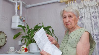 Egy lépésre vagyunk a nyugdíjkatasztrófától: rámehet az idősek háza, lakása is