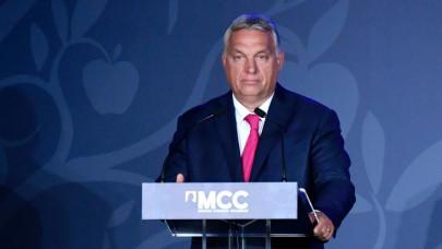 Orbán Viktor: folyik a vita a kötelező munkahelyi oltásokról