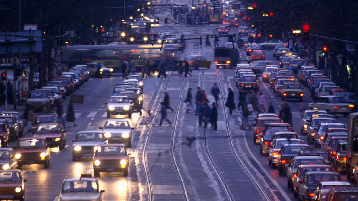 Nagy könnyítés a budapesti autósoknak: ekkor szűnik meg a forgalomkorlátozás a Blahán
