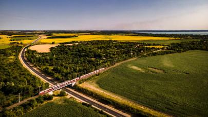 Fontos változások lépnek életbe több hazai vasútvonalon: itt az új menetrend