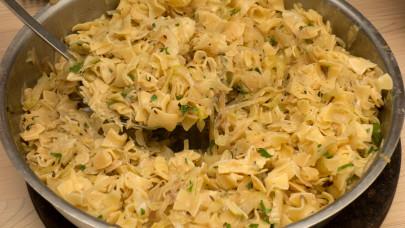 Retro káposztás tészta recept: A káposztás tészta milyen káposztából készül?