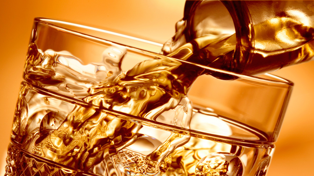 Ez áll a nagy alkoholár-robbanás mögött: keményen ráfáznak, akik ezeket az italokat szeretik