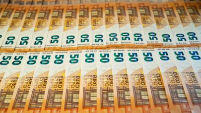 Sorsoltak az európai szuperlottón: két magyar is milliomosként ébredt szombaton