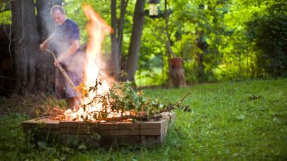 A szomszéd is feljelenthet: brutális bírságot kaphatnak ősszel a kertes ház tulajok