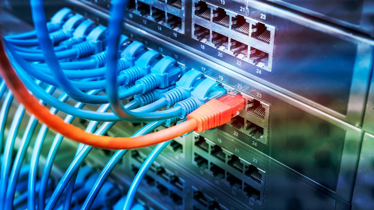 Ennyit kell güriznie a magyaroknak egy havi internetért: tömegeknek csak ilyen silány jut