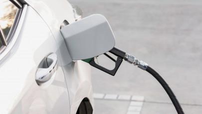 Meglepő trükkel csábítják a magyar autósokat a kutakhoz: nem is a benzinár a lényeg?