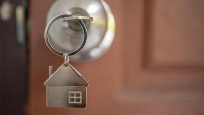 Melyiket válasszam: zöld hitel vagy otthonfelújítási támogatás? Segítünk!