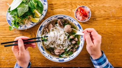 A vietnámi pho leves titkai: Hogyan készül ez az étel az eredeti pho leves recept alapján?