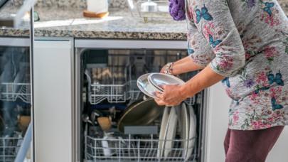 Eldőlt a nagy mosogatógép-dilemma: tabletta vagy gélkapszula, melyik a jobb?