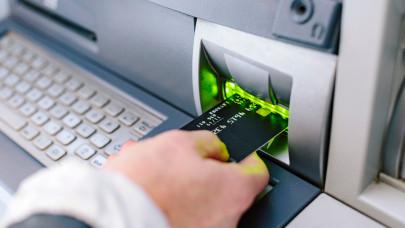 Leállást jelentett be a magyar bank: az ATM-ek sem fognak működni