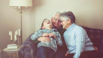 Mi a nyugdíjszámítás alapja és hogyan történik a nyugdíjszámítás szolgálati idő tekintetében?