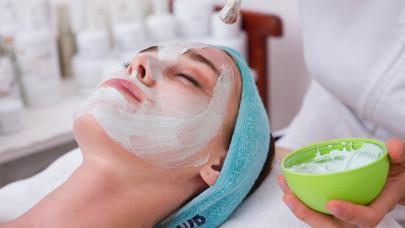 Az arcbőr megmentése COVID-19 után: szakértői tanácsok