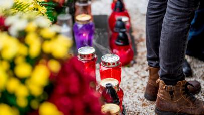 Horribilis árak a magyar temetőkben: ennyibe kerül idén a mécses és a virág